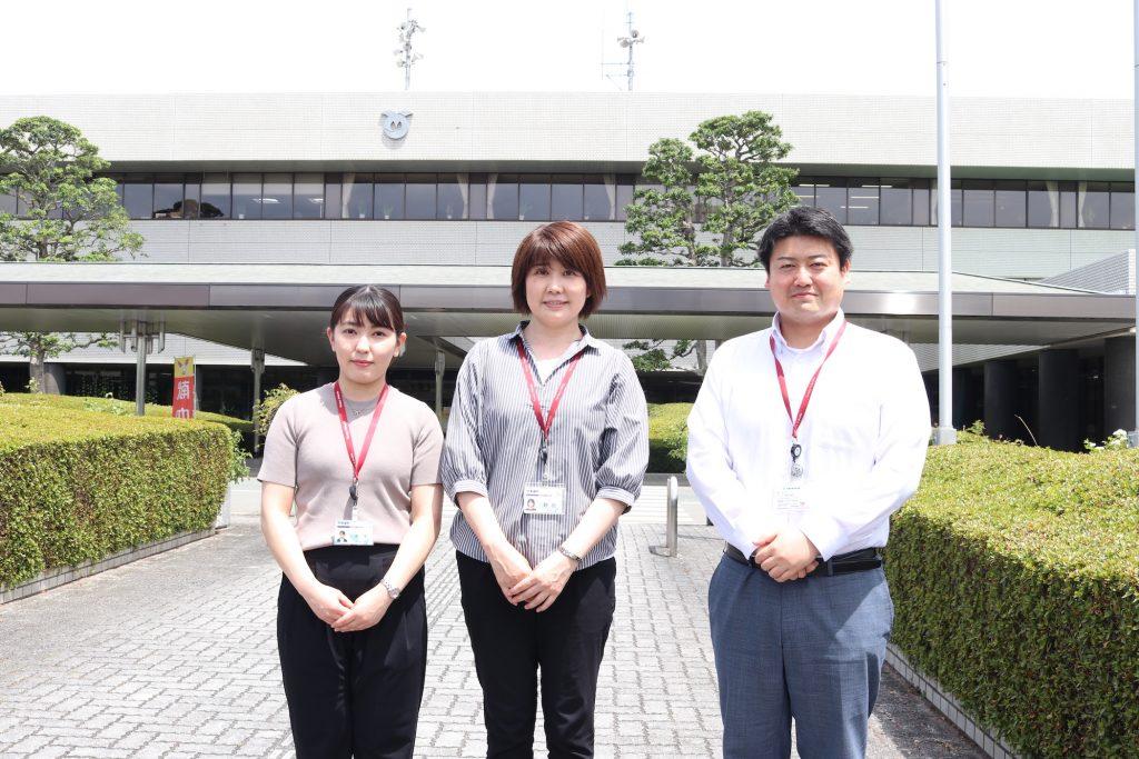 粕屋町 総務部 協働のまちづくり課 主幹:野田 悠紀さん、主事:平松 雄介さん、主事:南里 美咲さん